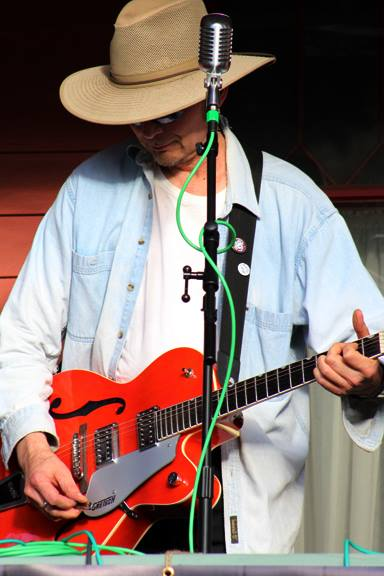 2015-09-27-Porchfest-Billy